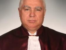 Noua lege de functionare a CCR a intrat in vigoare. Mandatul lui Petre Lazaroiu nu mai poate continua