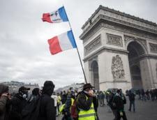 "Noua manifestatie tensionata a ""vestelor galbene"" in Franta: 31 de arestari si o femeie grav ranita"
