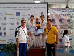 Noua medalii pentru judoka vranceni