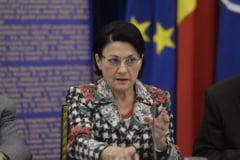 Noul ministru Ecaterina Andronescu se gandeste sa renunte la manualul unic