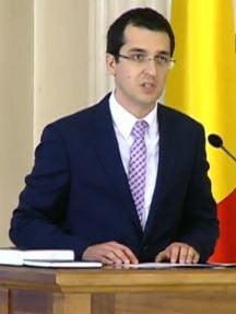 Noul ministru Voiculescu a depus juramantul. Iohannis apara Guvernul Ciolos: Se fac vinovati oameni care nu au avut vina