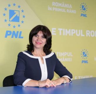 Noul ministru al Educatiei taie la jumatate numarul de secretari de stat