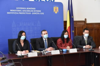 Noul prefect al Clujului, Tasnadi Istvan, flancat de politicieni UDMR la depunerea juramantului - FOTO