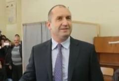 Noul presedinte bulgar a depus juramantul si dizolva Parlamentul intr-o saptamana