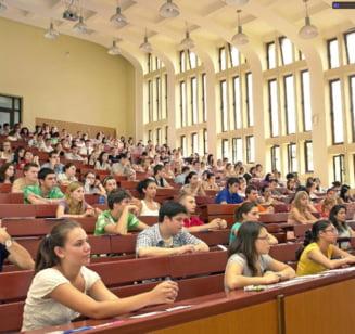 Noutati in educatie: Doctorat cu frecventa redusa, mai putine ore pentru profesorii cu vechime