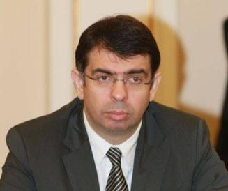Nu doar Cazanciuc ar trebui sa demisioneze! (Opinii)
