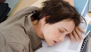 Nu doar lipsa somnului te oboseste - afla de ce boli poti suferi