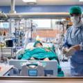 Numărul persoanelor decedate de COVID-19 a crescut de nouă ori într-o lună. Peste 90% dintre morți sunt nevaccinați