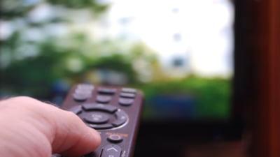 Numarul abonatilor la televiziunea prin satelit a scazut pentru prima data in Romania