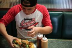 Numarul copiilor si adolescentilor obezi a crescut de 10 ori in ultimii 40 de ani