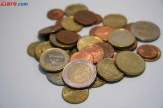 Numarul monedelor euro falsificate retrase din circulatie a crescut cu 17% in 2012