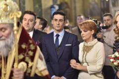 Nunta la cort si meniu traditional oltenesc la nunta Olgutei Vasilescu. Sunt peste 500 de invitati, inclusiv Dragnea