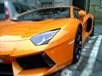 O amenda de 870 de lei, aplicata unui sofer cu Lamborghini care a parcat ilegal in fata Politiei, considerata de judecator prea dura