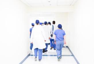 """O asistenta infectata cu COVID-19 a intrat in contact cu mai multi pacienti. Virgil Musta: """"Nu numai ca nu crede in virus, dar nici in spital nu a vrut sa respecte regulile"""""""