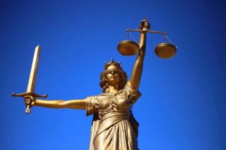O avocata celebra s-a facut judecator si iese la pensie dupa doar 6 luni de activitate. Cu cel putin 16.000 de lei pe luna