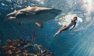 O cantareata care a inotat si cu rechinii (Video): Viata ar fi perfecta daca n-as avea celulita
