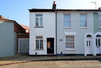 O casa incredibil de ingusta din Londra, scoasa la vanzare (Galerie foto)