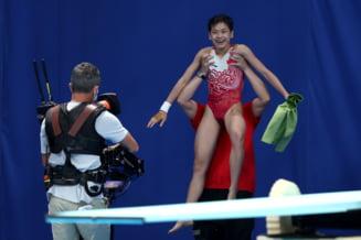 O chinezoaică de 14 ani a atins perfecțiunea la Jocurile Olimpice: a luat două note de 10 VIDEO
