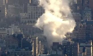 """O conducta de abur a provocat o explozie puternica in centrul Manhattanului, urmata de o """"ploaie de azbest"""" (Video)"""
