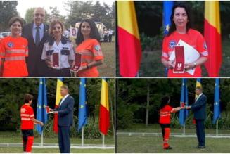 O doctorita si o asistenta medicala de la Ambulanta Bihor au fost premiate de presedintele Iohannis