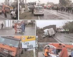O dubita s-a lovit frontal cu un TIR Accident pe DN 71 Targoviste -Bucuresti. Soferul dubitei preluat de elicopterul SMURD
