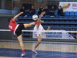 O echipa dintr-o comuna prahoveana domina fotbal-tenisul romanesc