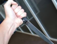 O eleva din Vaslui a fost taiata cu cutitul de un barbat in incinta scolii