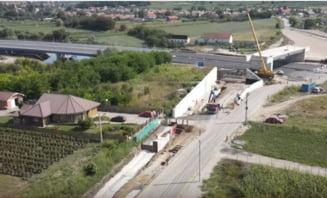O familie grav afectată de șantier cere în justiție oprirea imediată a lucrărilor la A10 și daune de peste 100.000 de euro VIDEO