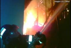 O femeie a fost ranita dupa ce casa i-a fost cuprinsa de flacari - Ranita in incendiu