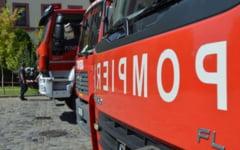 O femeie a murit, iar mama acesteia a fost ranita intr-un incendiu in locuinta lor. Focul ar fi fost provocat intentionat de catre sotul uneia dintre ele
