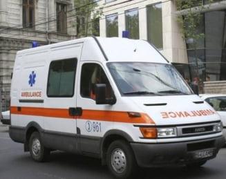 O fetita de 13 ani din Vanatori-Neamt a murit dupa ce a fost transferata prin 3 spitale