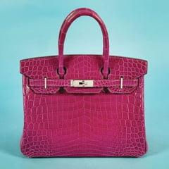 O geanta Hermes din piele de crocodil, scoasa la licitatie. Cu ce pret s-a vandut