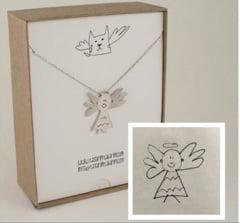 O idee inedita: Desenele copiilor sunt transformate in bijuterii (Foto)