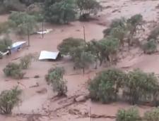 O inundatie puternica a facut prapad in desertul unde ploua foarte rar: Oameni disparuti si case distruse complet (Video&Foto)