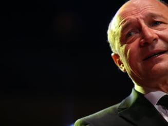 O lacrima pe obrazul lui Basescu (Opinii)