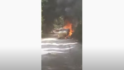 O maşină care participa la Raliul Sibiului a fost distrusă complet după ce a luat foc în mers VIDEO