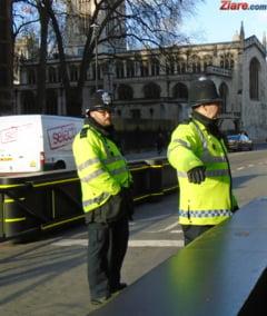 O masina a intrat din plin intr-un grup de oameni, la Londra UPDATE Cinci romani au fost raniti