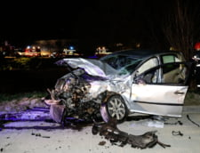 O masina plina cu pasageri a plonjat in Dambovita: Doi morti si patru raniti - UPDATE (Foto)
