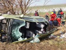 O masina s-a rasturnat pe Autostrada Soarelui: Un elicopter SMURD a preluat un copil ranit