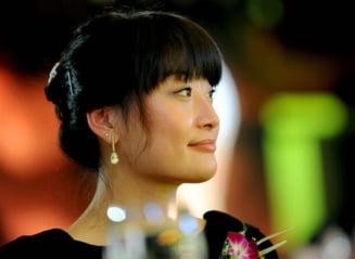 O miliardara frumoasa din China se plange ca nu are prieten
