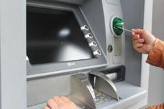 O multime de probleme descoperite de politisti la bancomatele din tara