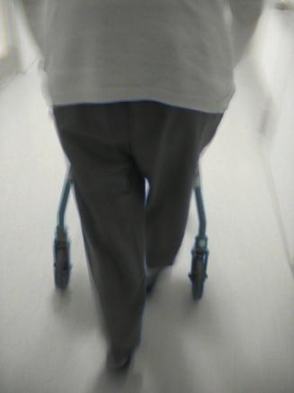 O mutatie genetica ar sta la baza aparitiei bolii Alzheimer (studiu)