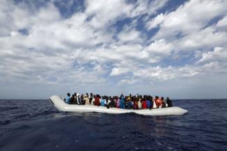 O nava cu zeci de migranti la bord a fost depistata la Mangalia