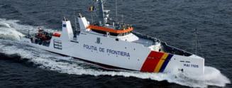 O nava romaneasca a salvat peste 100 de imigranti din apele marii (Video)