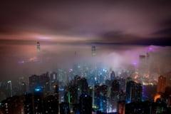 O noua runda de ciocniri violente la Hong Kong: Politia a folosit iar gaze lacrimogene si tunuri de apa