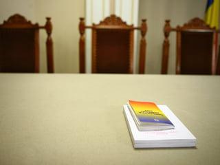 O noua sedinta a Comisiei de revizuire a Constitutiei