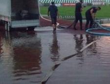 O ploaie torentiala a inundat strazile din Sfantu Gheorghe