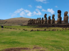 O replica a unei statui din Insula Pastelui, construita pentru a facilita retrocedarea operei originale