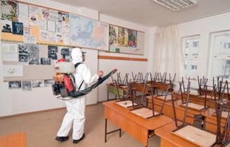O scoala va fi inchisa la trei cazuri de COVID-19 in clase diferite