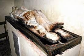 O statuie a lui Iisus arde fara flacari - paranormal sau fapt accidental?